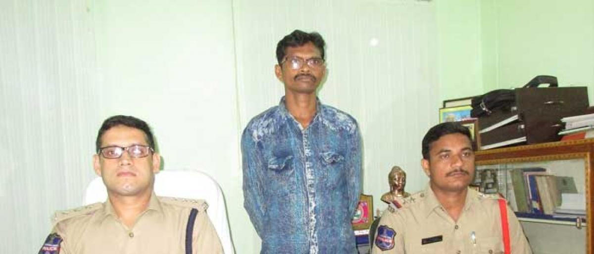 Maoist surrenders before police