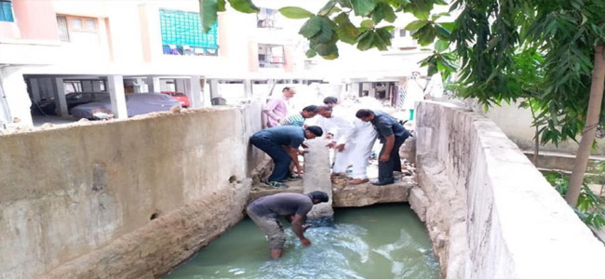 Serilingampally MLA asks officials to expedite Deeptisrinagar nala expansion works