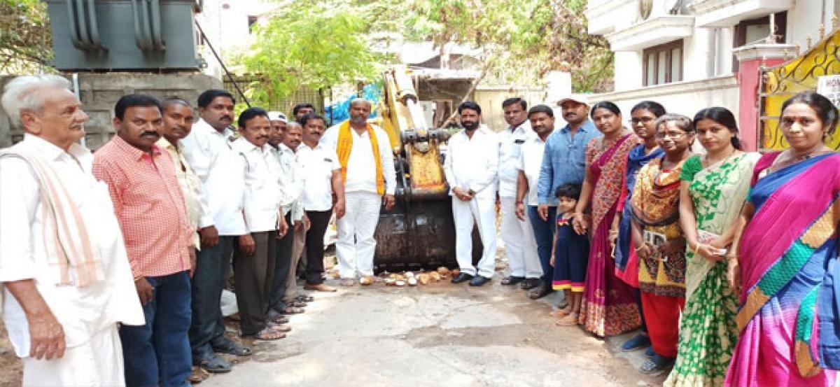 Jinnaram lays foundation for silt removal work