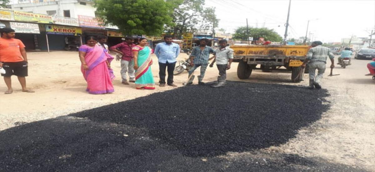 Officials told to complete road repair works in time: Chandanagar Corporator Navatha Reddy