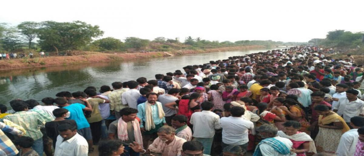 Nine farmworkers killed, 15 injured as tractor plunges into canal