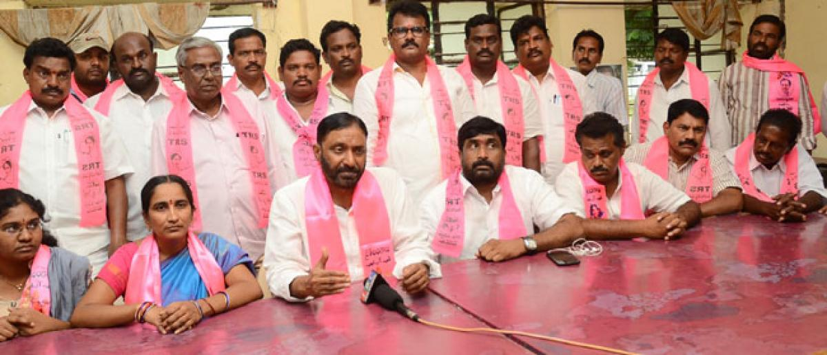 Dissident Koti demands ticket from TRS chief