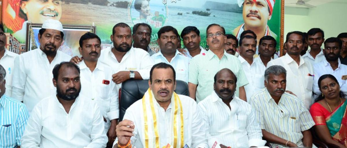 Komatireddy opposes uninterrupted power supply
