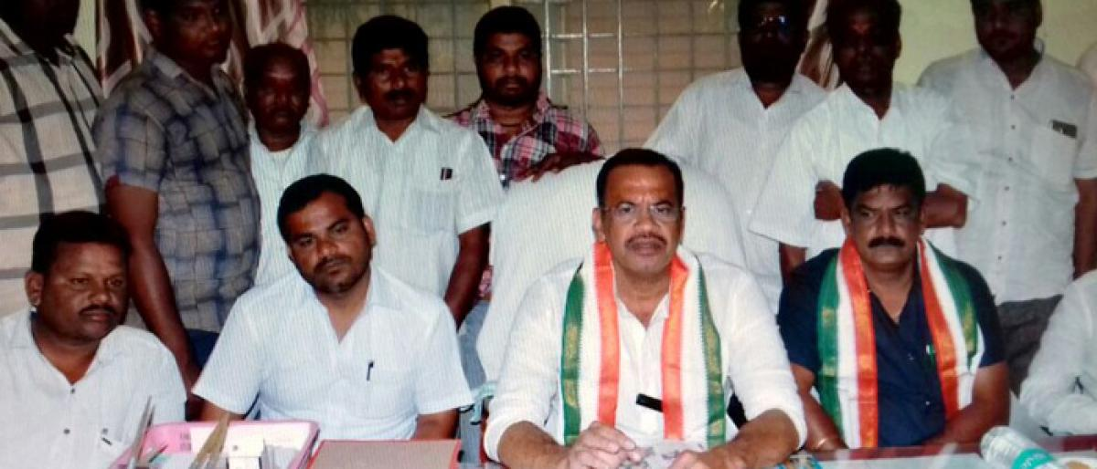 Attack on Council Chairman accidental: Komatireddy