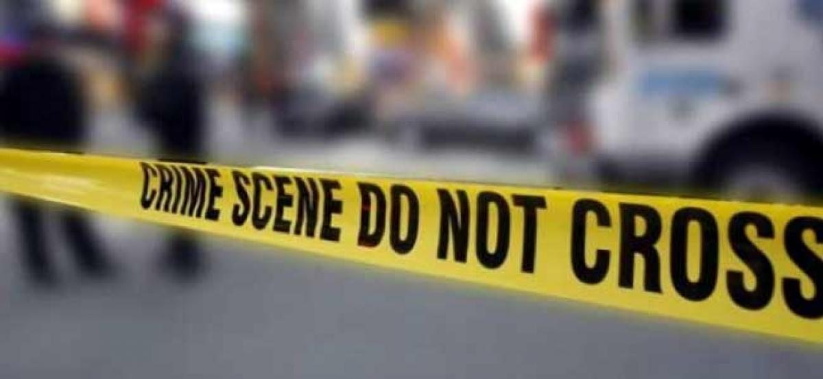 Body of 25-yr-old woman with telephone wire tied around neck found in Delhi hotel