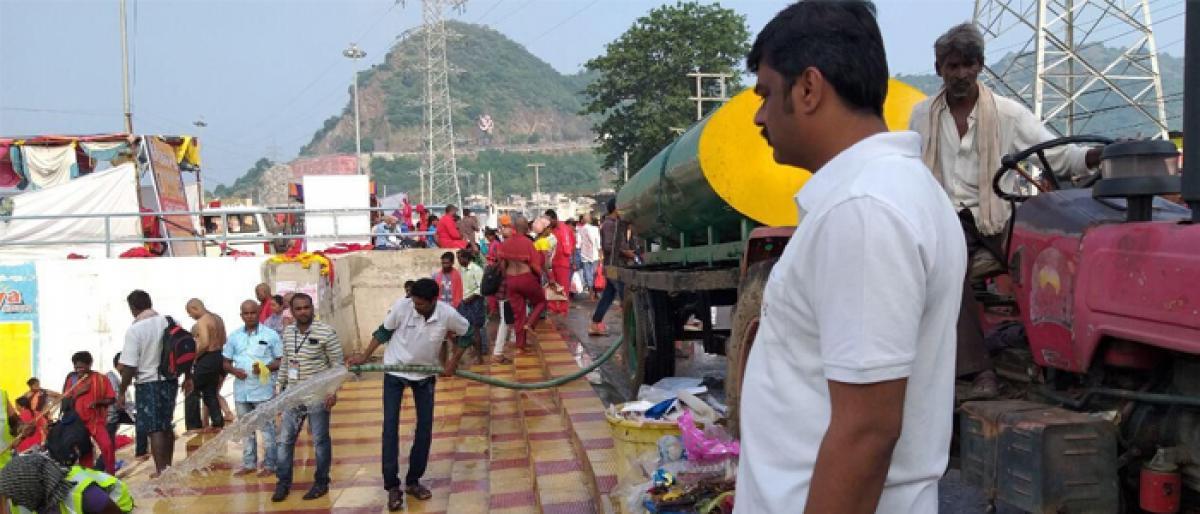 Commissioner J Nivas angry over poor sanitation in Vijayawada