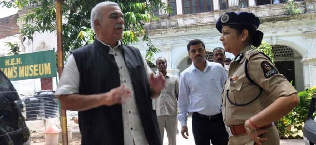 Hyderabad: 15 police teams to crack Nizam museum theft case