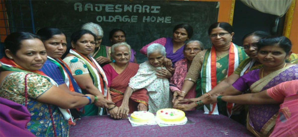 Mother's Day celebrated at old age home