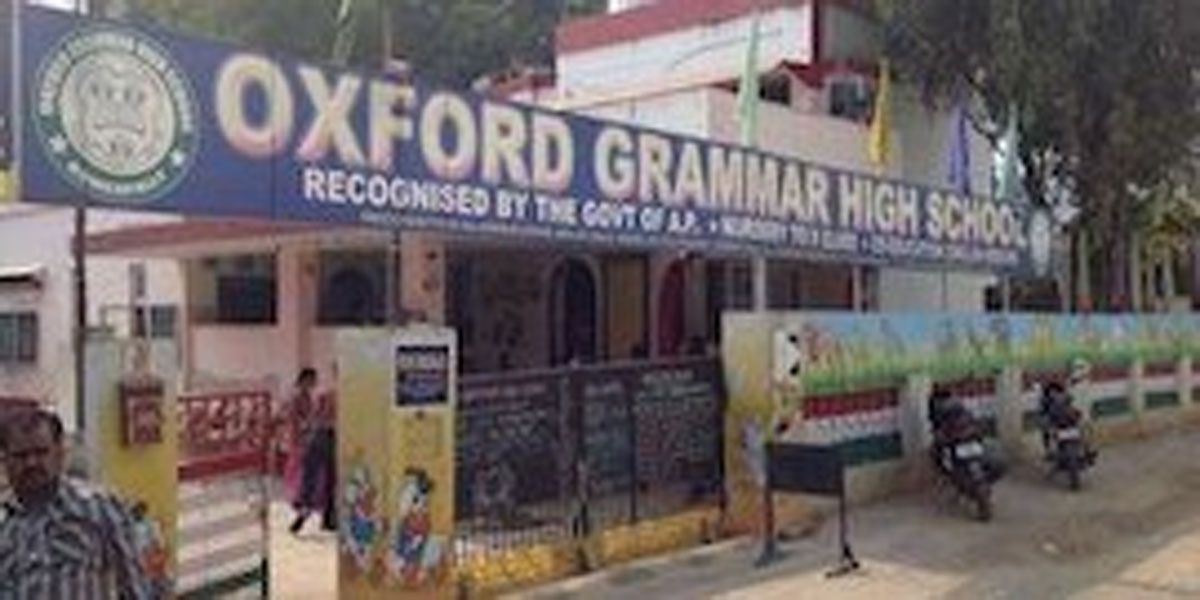Oxford School donates rice to orphanage in Hyderabad
