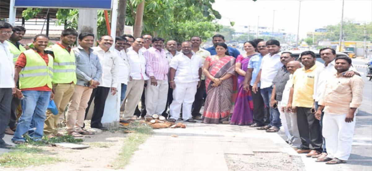 Corporator assures solution to inundation