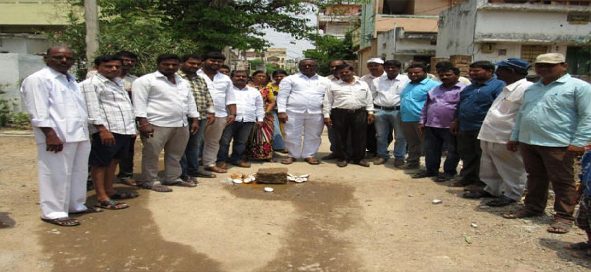 Pannala urges locals not to dig pits on roads