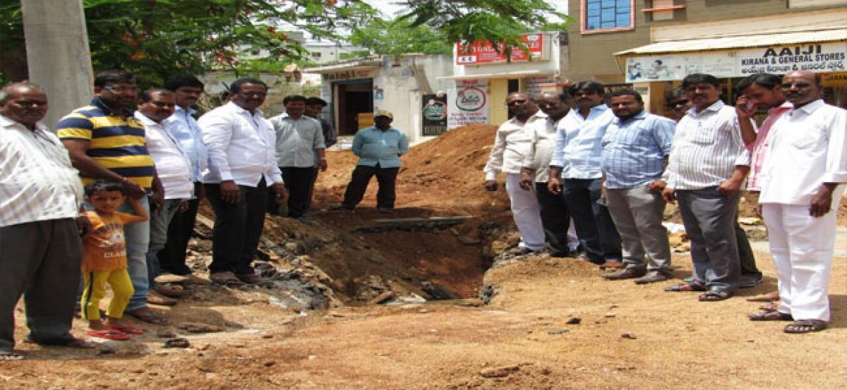 Pannala inspects drainage works