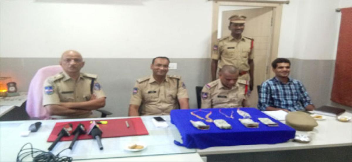 Uppal police cracks theft case in a day