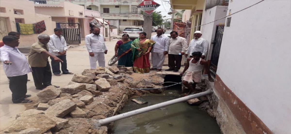 Corporator Poojitha visits Sainagar Colony
