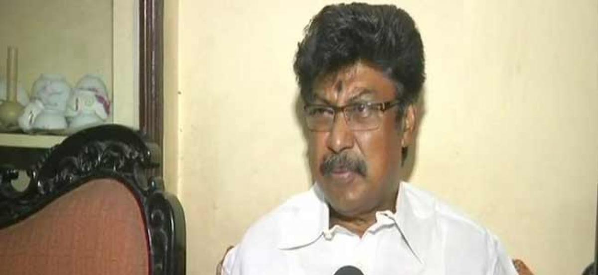 Mining scam: Goa Congress Chief lauds Parsekar for