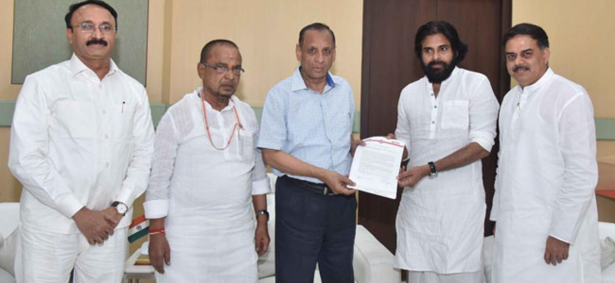 Pawan Kalyan submits petition to E S L Narasimhan for Centre's help