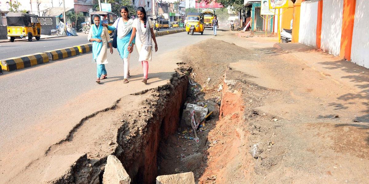 Bad Roads pose threat to users in Rajamahendravaram