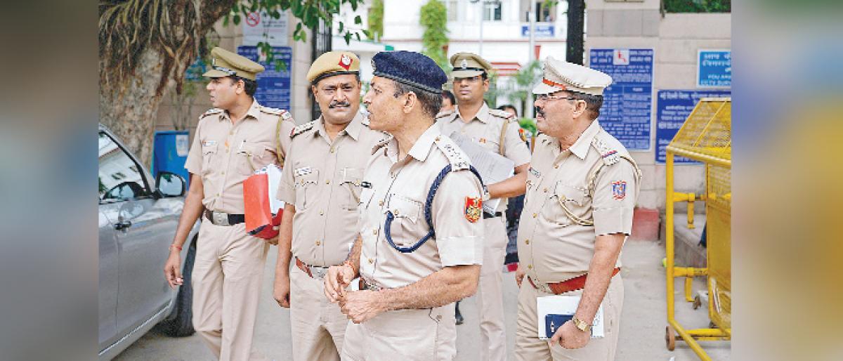 Chief Secretary Anshu Prakash assault case : Court rejects Kejriwal's plea
