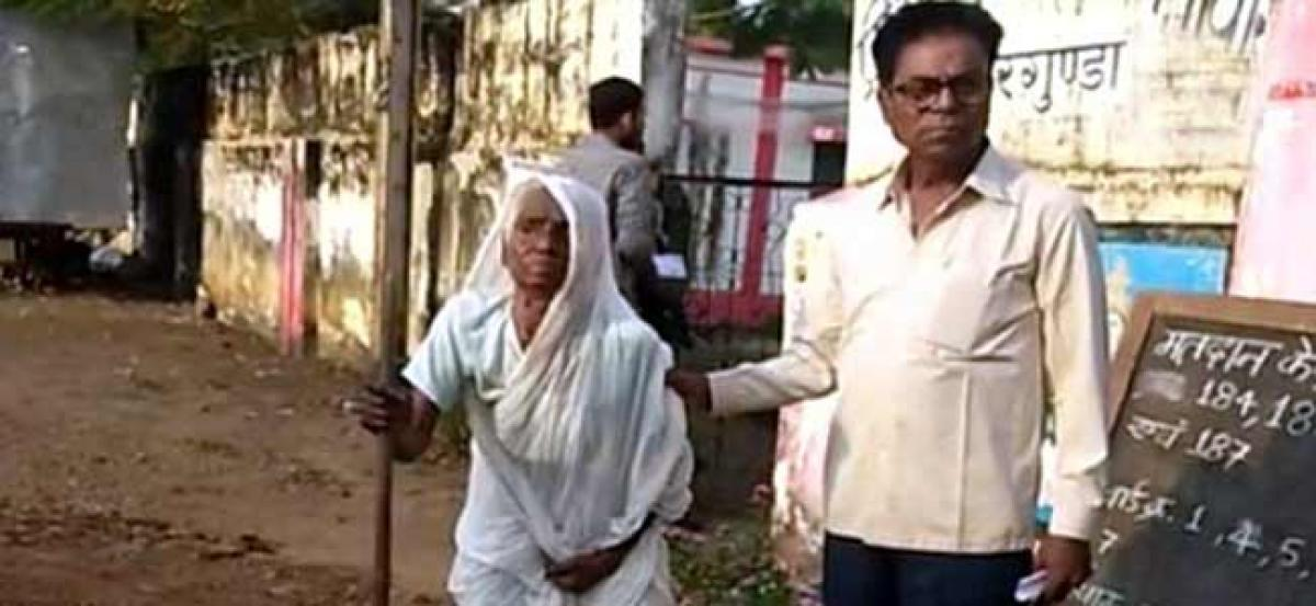 Chhattisgarh Elections 2018: 100-year-old woman casts vote at polling station in Dornapal
