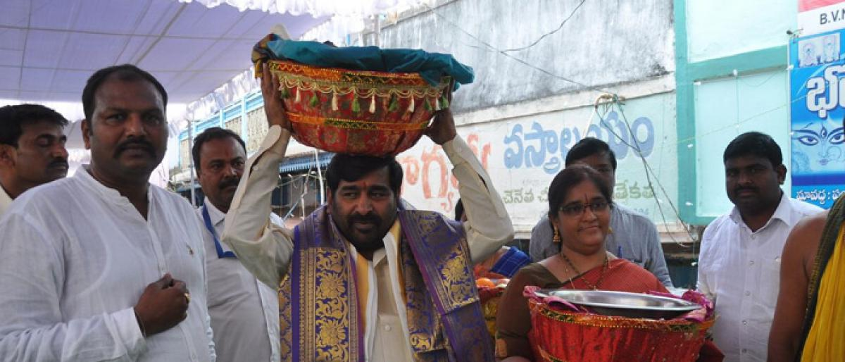 Celestial wedding celebrated on a grand scale in Suryapet