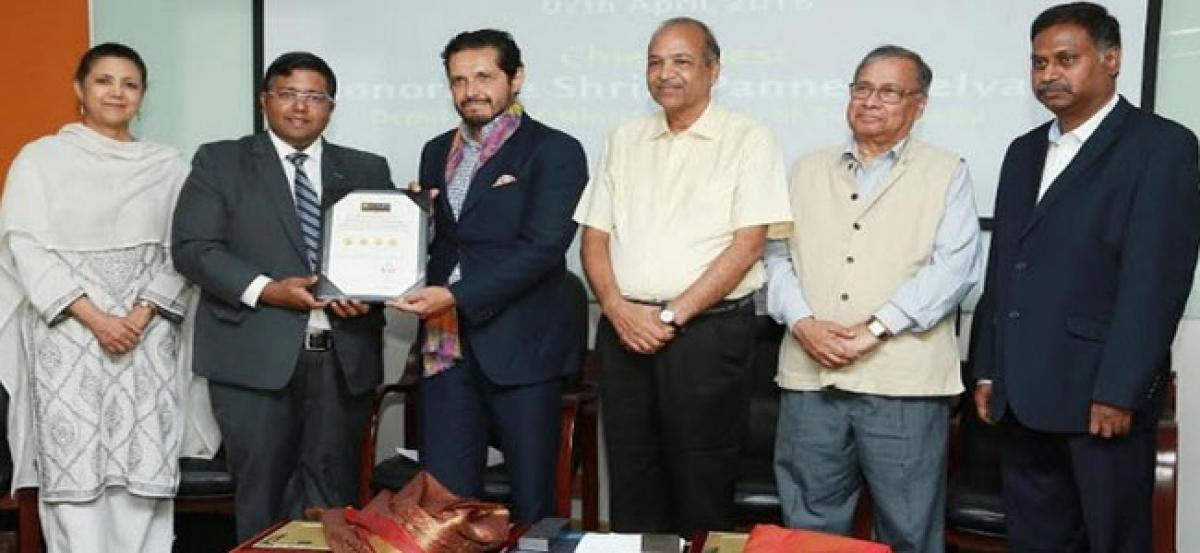 QS Awarded Crescent University an