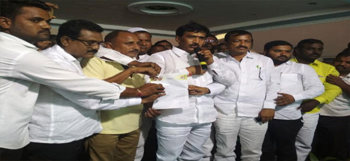 Is Prathap Reddy who quit TDP in quandary?