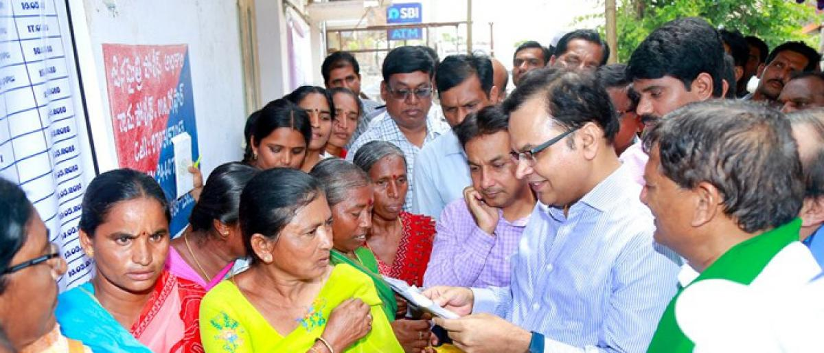 Finance Secretary pleased with pace of Rythu Bandhu cheque distribution in Miryalguda