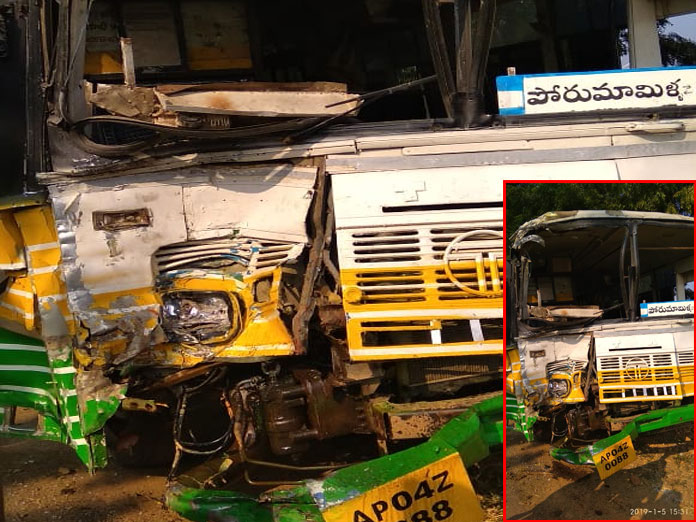 25 passengers injured when two RTC buses collided
