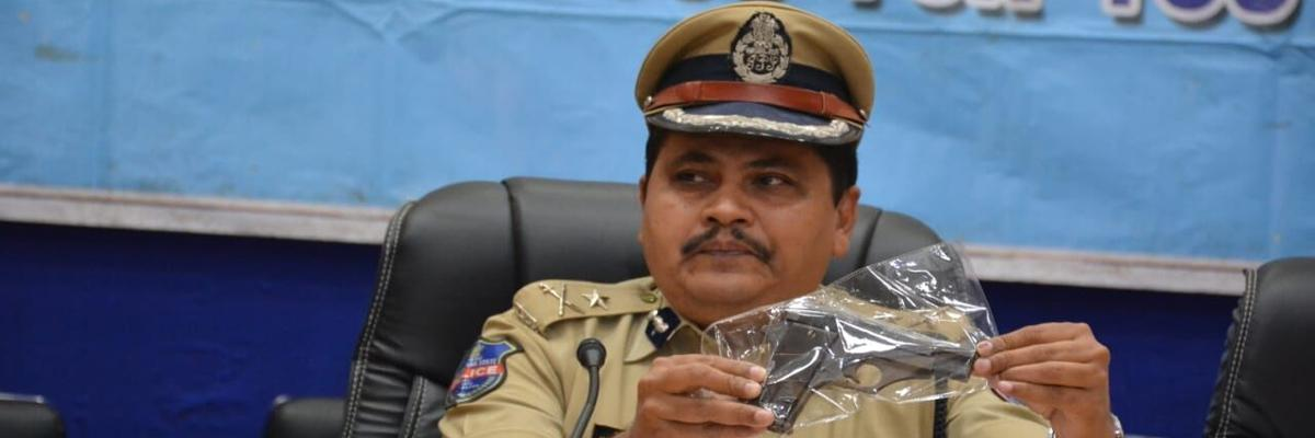 Cops bust dacoity case, 2 held