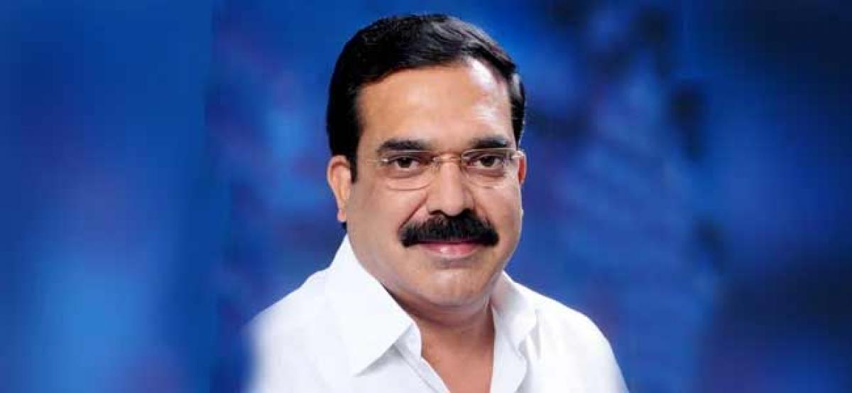 Senior YSR Congress leader to meet Chandrababu Today