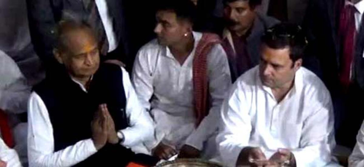 Rahul once again visits Somnath Temple