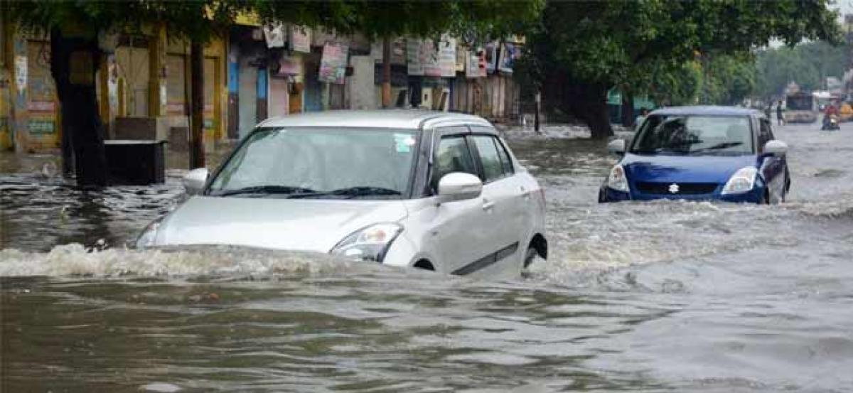 465 dead, 10.17 lakh affected in 5 states due to rains, floods during monsoon
