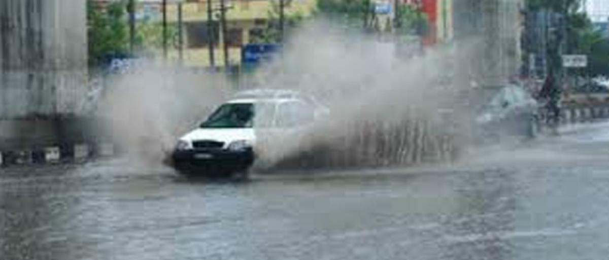 Warning of heavy rain for 19 Telangana districts