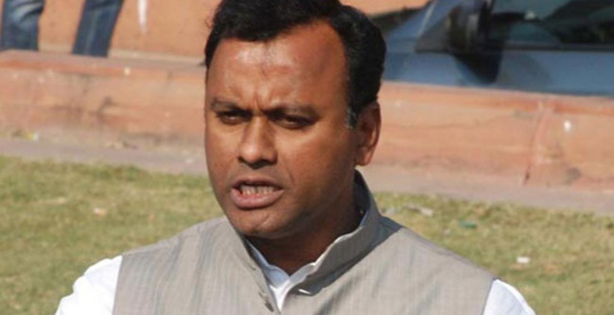 TRS won't win a seat in Nalgonda: Rajgopal