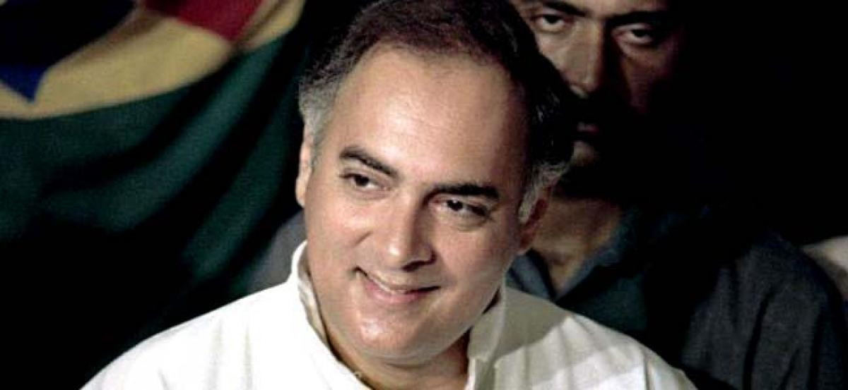 SC asks Tamil Nadu Governor to consider Rajiv Gandhi killers mercy plea