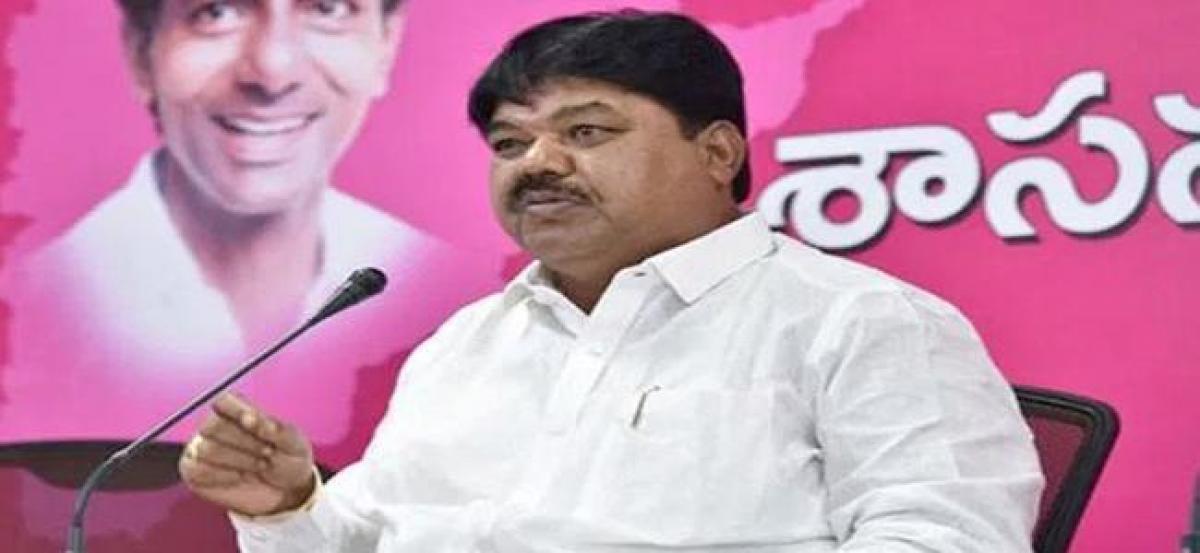 TRS MLC Ramulu Naik joins congress party