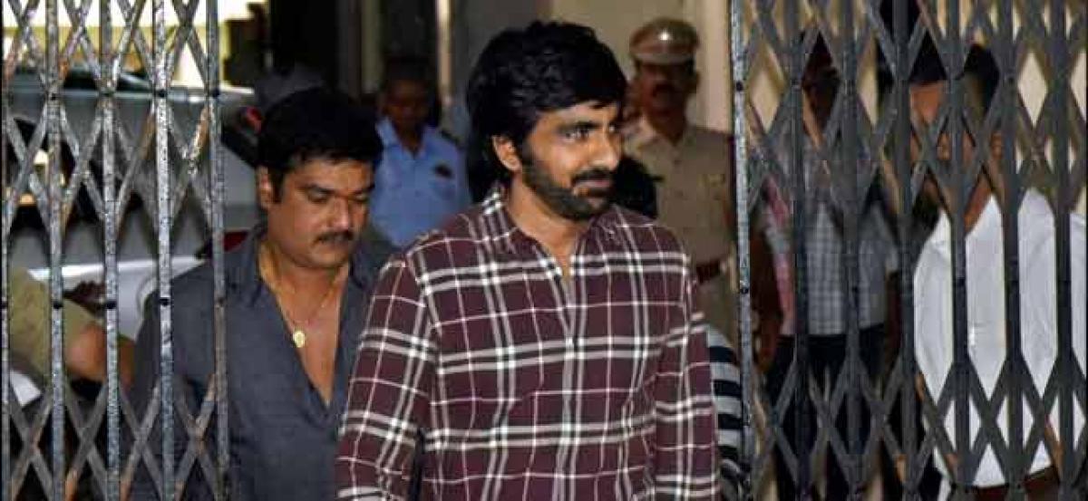 Ravi Teja appears before SIT in Hyderabad drugs haul case