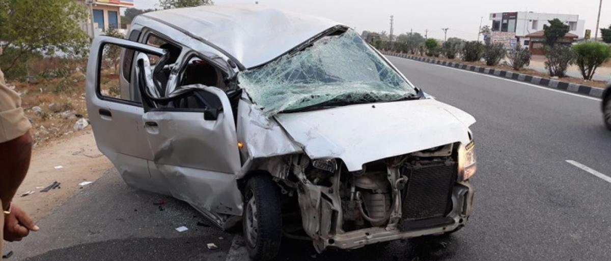 Car rams into lorry, 3 injured