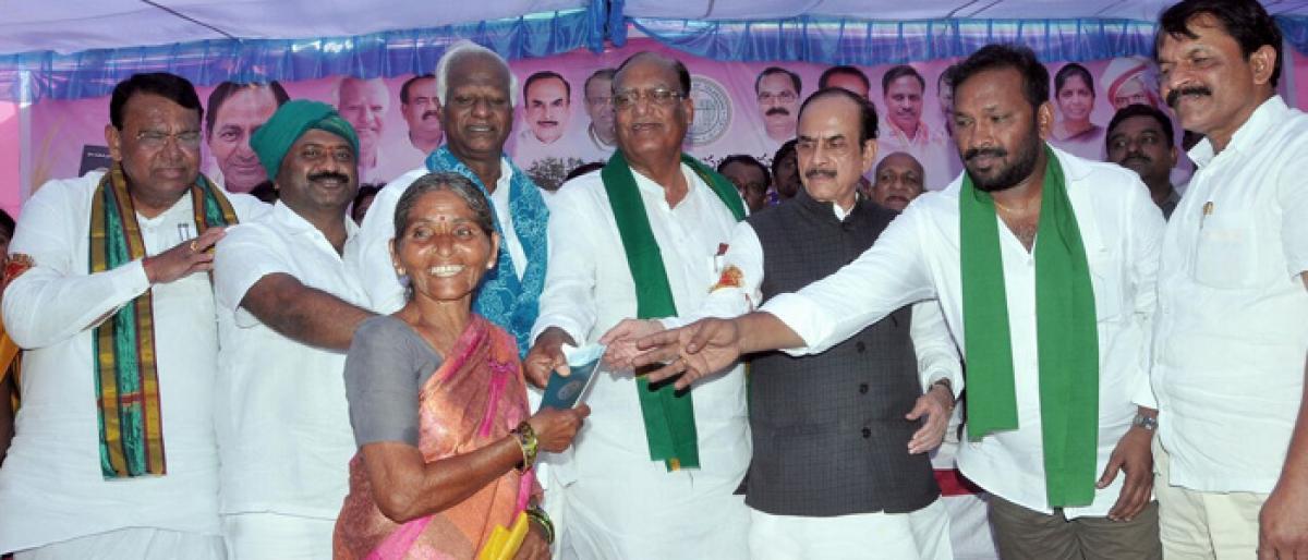 Ministers all praise for Rythu Bandhu Scheme