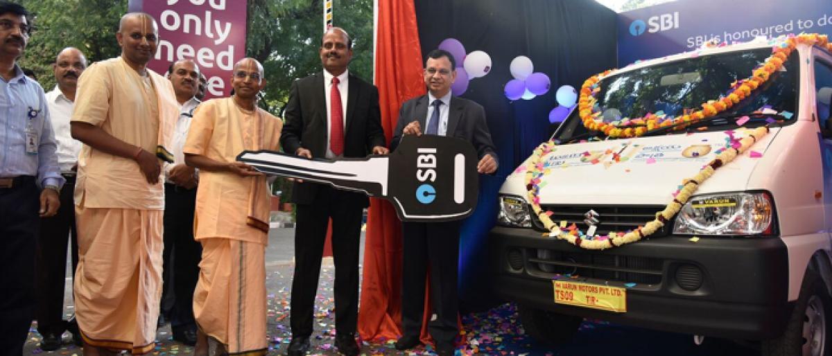 SBI donates vehicle to Akshaya Patra