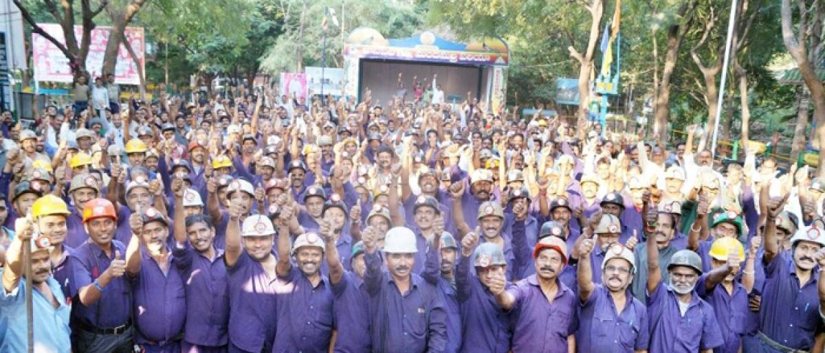 Workers unions thank SCCL for resolving long-pending issues