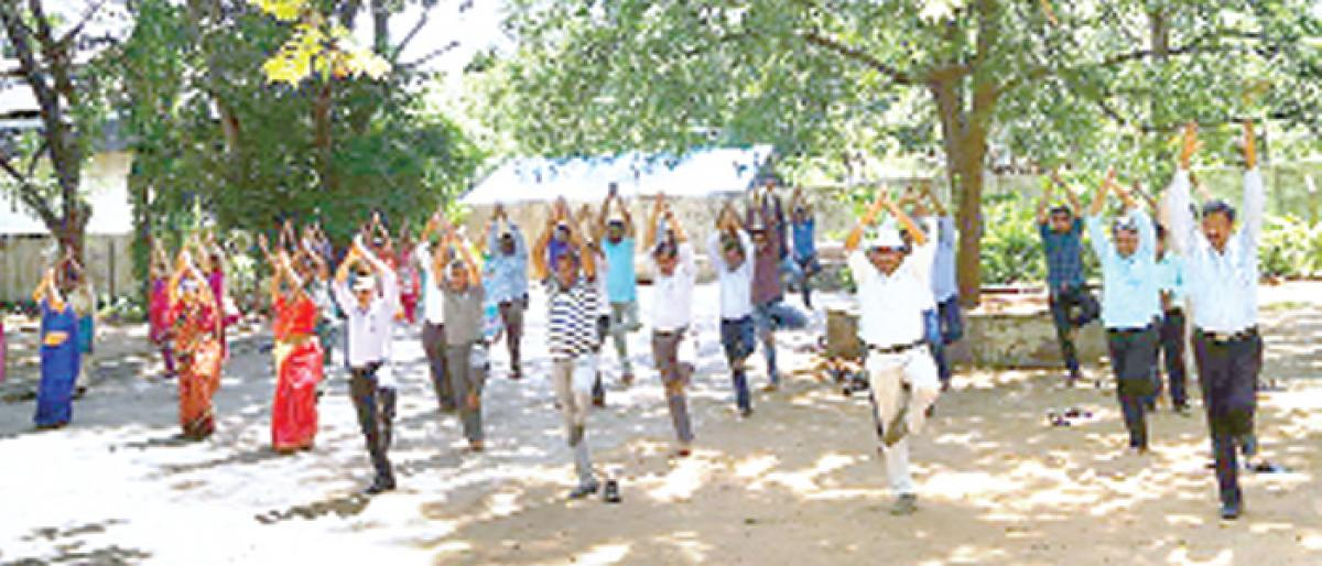 SCCL to break its own record on International Yoga Day