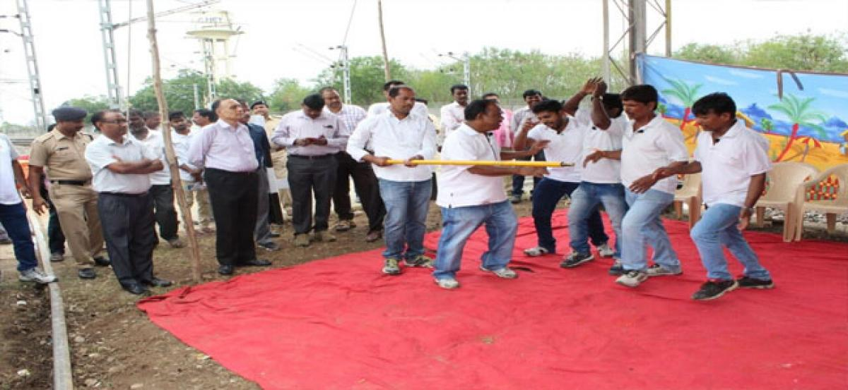 SCR holds safety awareness programmes