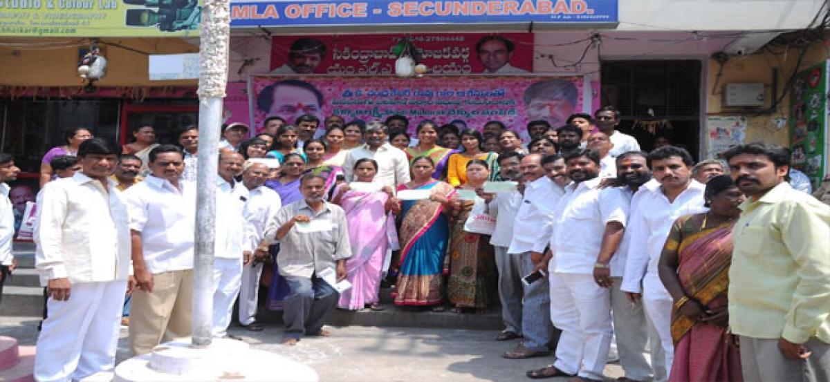 100 new couples receive Kalyana Lakshmi cheques