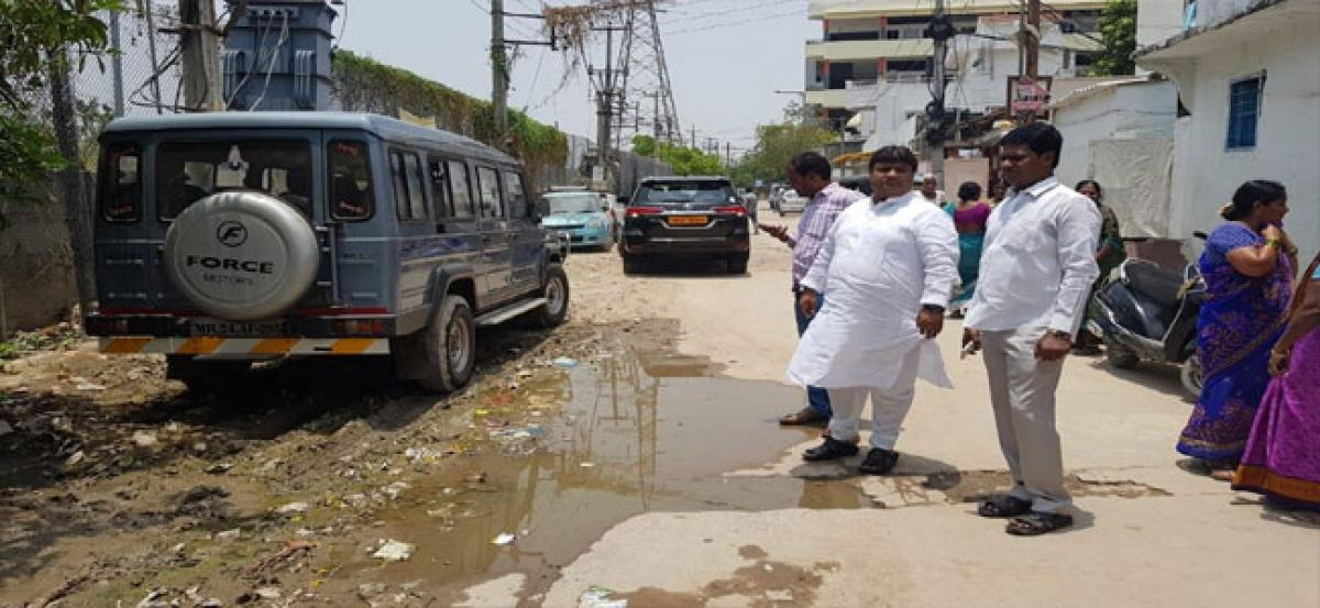 Shafi inspects Karmika Nagar roads