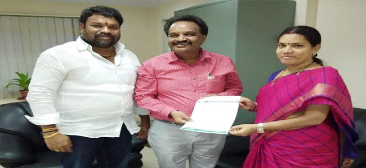 Shanthi seeks funds for civic issues