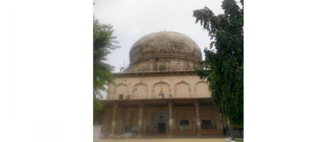 Shah Rajul tomb repair works begin in Hyderabad old city