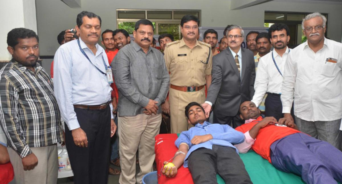 SBI holds blood donation camp