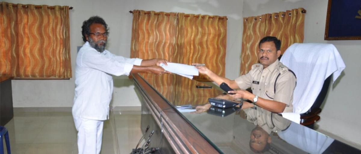 SP M Ravi Prakash gives tips to celebrate safe Deepavali