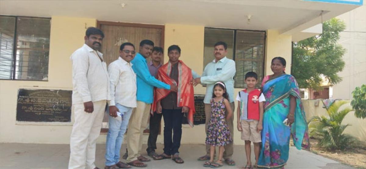 Colony association felicitates SSC student
